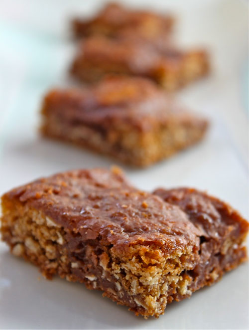 Oatmeal chocolate cookie bars recipe purple kitty for Food network 50 bar cookie recipes